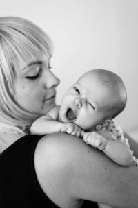 Baby Foto auf Schulter