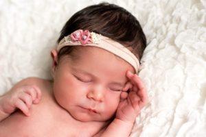 Newborn Babykopf Mädchen Haarschleife
